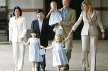 オランダのアレクサンダー皇太子と交流する当時の皇太子ご一家(2006年、共同通信社)