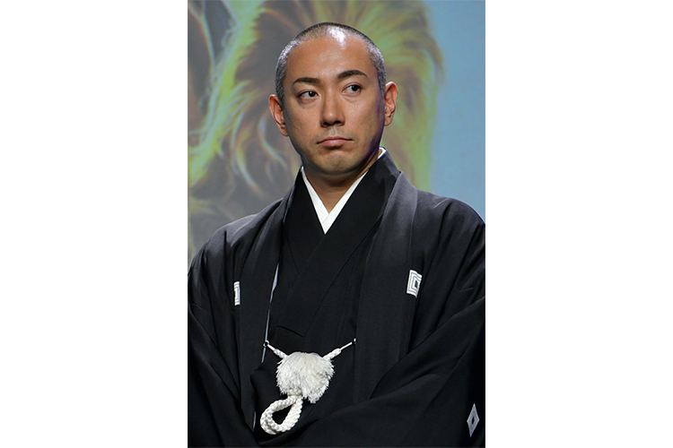 市川海老蔵vs朝日新聞文化欄 「絶対に褒めない」辛口批評