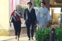 タニマチとの会食後、マネジャーのごとく愛之助夫妻と並んで歩くAさん