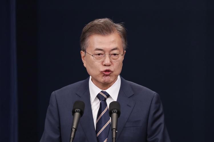 日韓関係が改善する日はいつか…(EPA=時事)