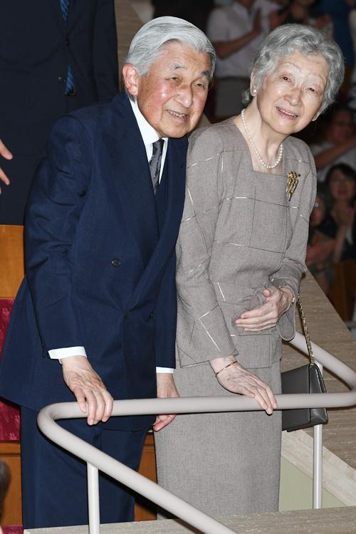 上皇陛下と上皇后美智子さま(撮影/JMPA)