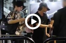 【動画】佐藤健が黒Tシャツで参加した「超大物」誕生パーティの夜