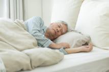 軽視できない睡眠不足 睡眠6時間以下で死亡リスク2.5倍