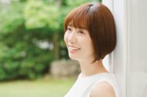 とびっきりの笑顔を振りまく山崎アナ