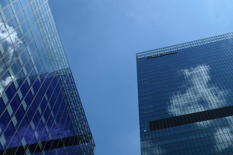「The Okura Tokyo」は高層・中層の2棟構成(AFP=時事通信フォト)
