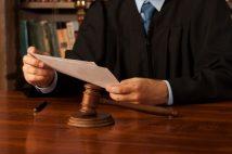 誰でもできる裁判傍聴の手続き紹介 有名裁判では数千人が行列も