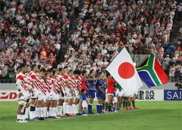自国開催の誇りをかけた日本代表の戦いがいよいよ始まる(時事通信フォト)