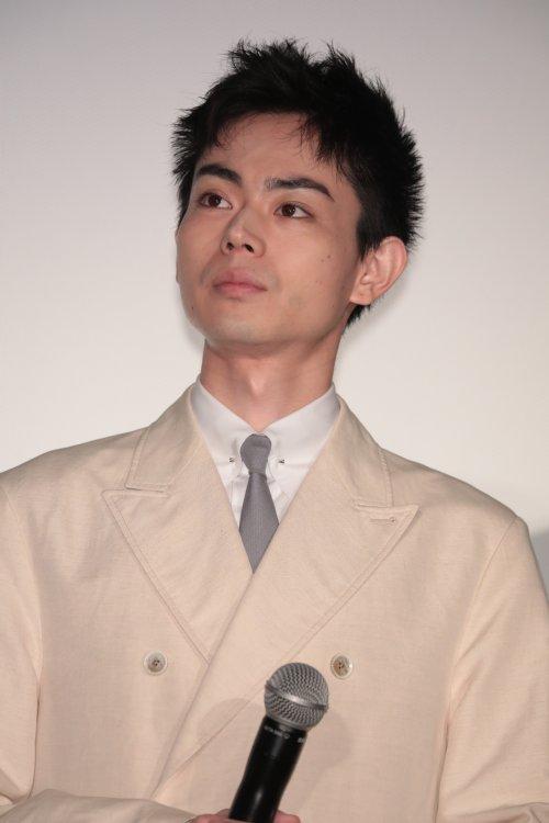 『アルキメデスの大戦』の初日舞台挨拶に登場した菅田将暉