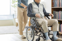 親の施設介護には1000万円必要、費用抑えるための施設の選び方