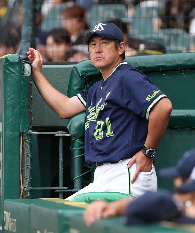 コーチ 石井 琢朗
