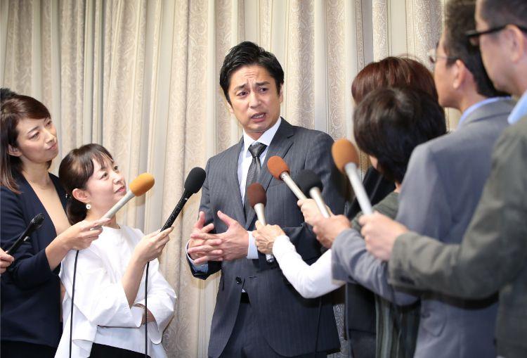 徳井義実は会見では「以前はきちんと申告していた」と語っていたが…(時事通信フォト)