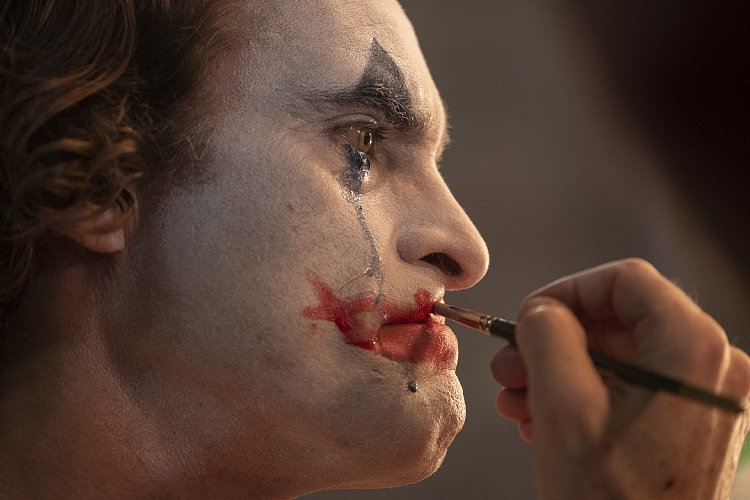 映画『ジョーカー』が描いた「下級国民の反乱」(橘玲)