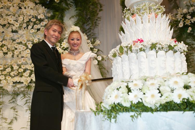 披露宴は11月22日の「いい夫婦の日」に行われた