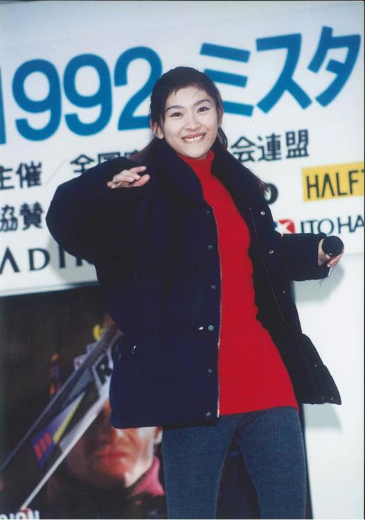 篠原涼子、1992年 慶應大学の学園祭に登場した際の様子