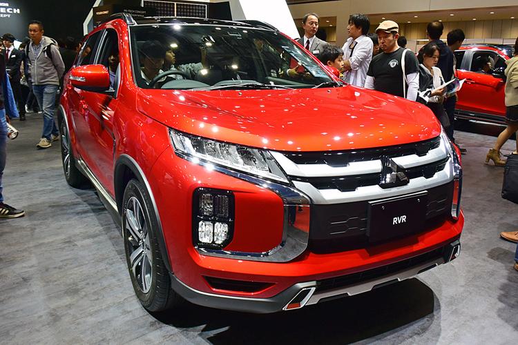 今年8月にデザインを大幅変更した「RVR」(三菱自動車)