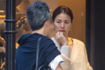 井川遥、職場に夫がやってくるラブラブの様子撮