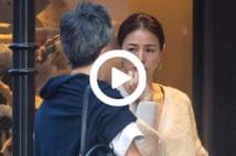 【動画】井川遥、ブランドイベントに夫2度も登場のラブラブ姿