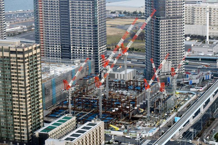 高層ビルやマンションの建設が進む有明(2019年2月時点・時事通信フォト/朝日航洋)