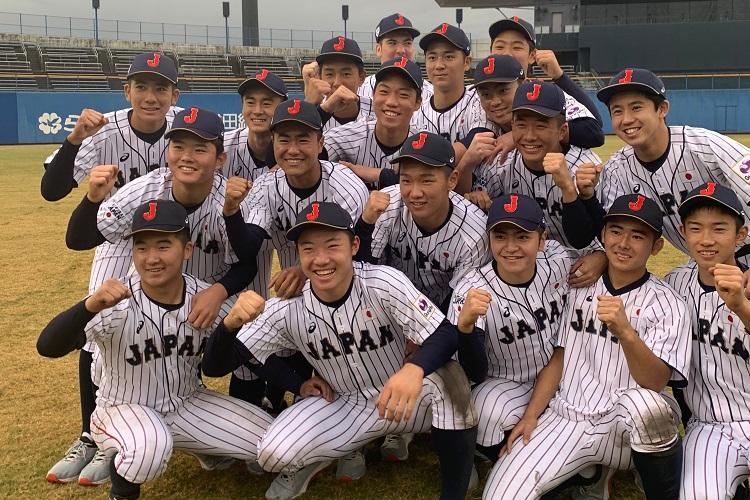 前列左から2番目が海老根優大選手(「U-15 アジアチャレンジマッチ2019第1戦、日本 vs 松山市代表」の試合後)