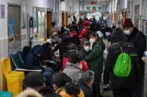 受診者で混雑する武漢市内の病院(AFLO)