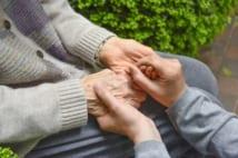 夫が認知症に… 赤の他人に財産を管理される60代妻の悲劇