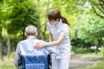 最晩年の介護は「在宅」か「施設」か それぞれの長所と短所