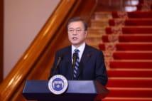 新年の演説を行う文在寅・韓国大統領(EPA=時事)
