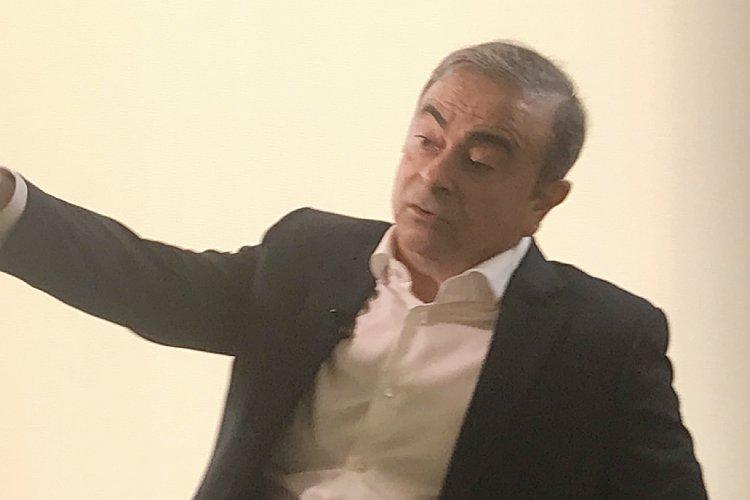 時折、険しい表情も見せていたゴーン氏(写真はレバノンでの単独インタビュー時)