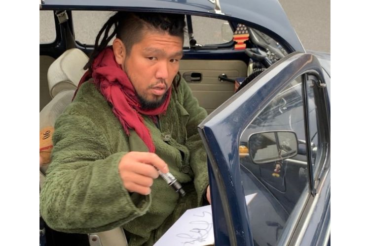 ラグビー稲垣と堀江 対照的な車で見せた「ファンに神対応」