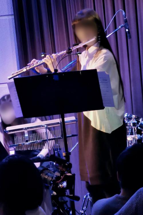 フルート演奏する長女【その2】