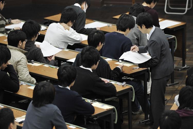 公立大学の志願倍率はいまや国立大を上回る(時事通信フォト)