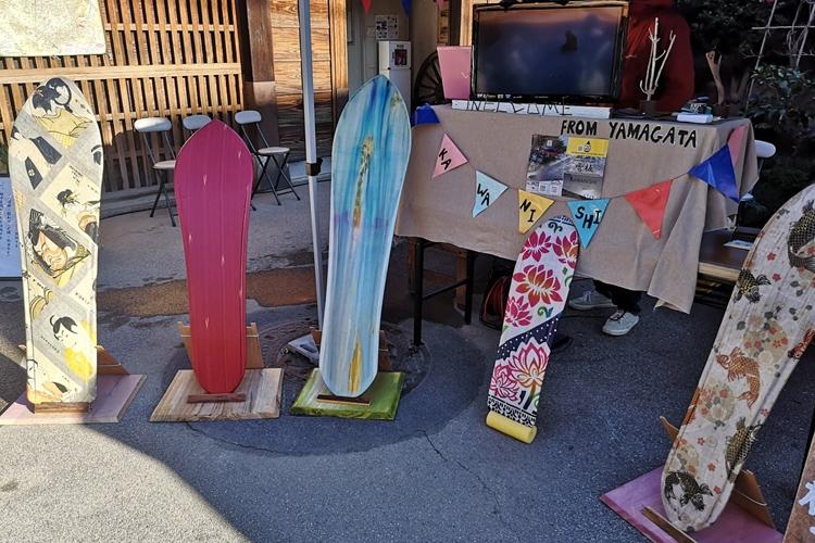 雪上サーフィンともいえる「雪板」が静かなブーム(写真提供/Labo Outback 雪板工房)