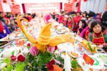 春節を前に武漢の4万世帯が集まった(写真:新華社/アフロ)