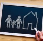 【拡張家族】介護や子育てもシェアできる新しい家族像