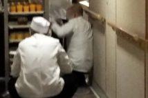 クルーズ船客「どれだけ感染が拡大するかを試す実験場か!」