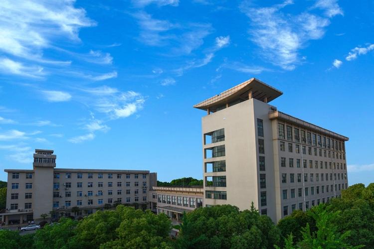 武漢ウイルス研究所。中国初のBLS4実験室を擁する。その安全管理の厳格さは想像を超えるレベルだというが…(写真は同施設の公式HPより)