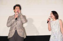 映画『グッドバイ~嘘から始まる人生喜劇~』の舞台挨拶に登場した大泉洋と小池栄子