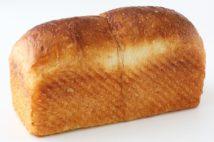 長時間発酵させた「シニフィアン シニフィエ」の食パン