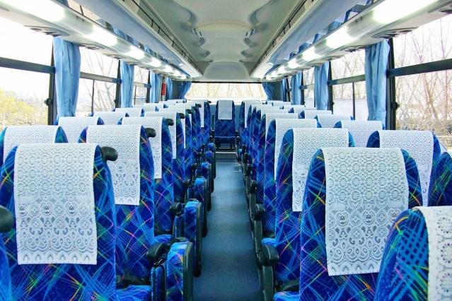 経営が苦しい観光バスを「通勤の足」に