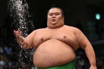 大相撲・千代丸も なぜ発熱力士はみんな「スピード復帰」?