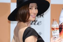 米倉涼子が電撃独立 マネジャーなし、海外への意欲も