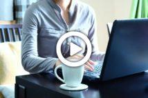 【動画】在宅のウェブ会議で男性社員から「もっと部屋みたいな」