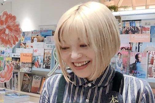 ストリッパーになった名物書店員・新井さん 「楽になった」