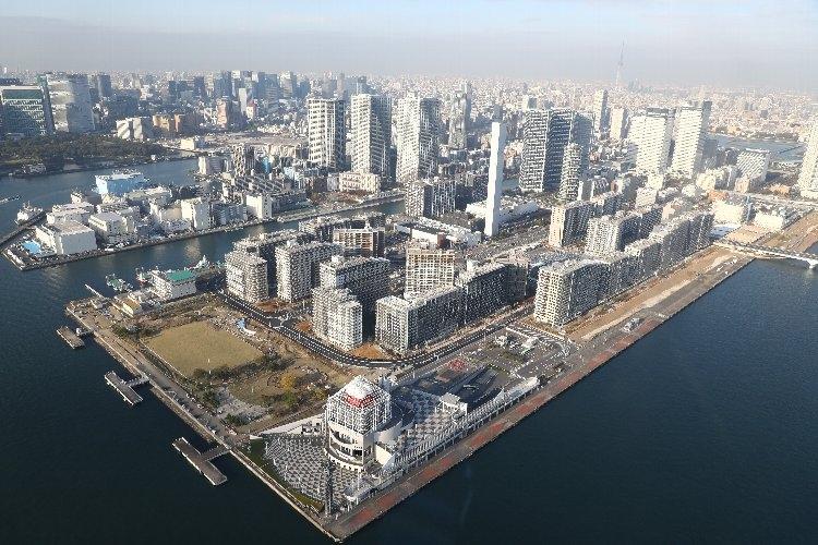 五輪選手村がある東京・中央区の晴海エリア(時事通信フォト)