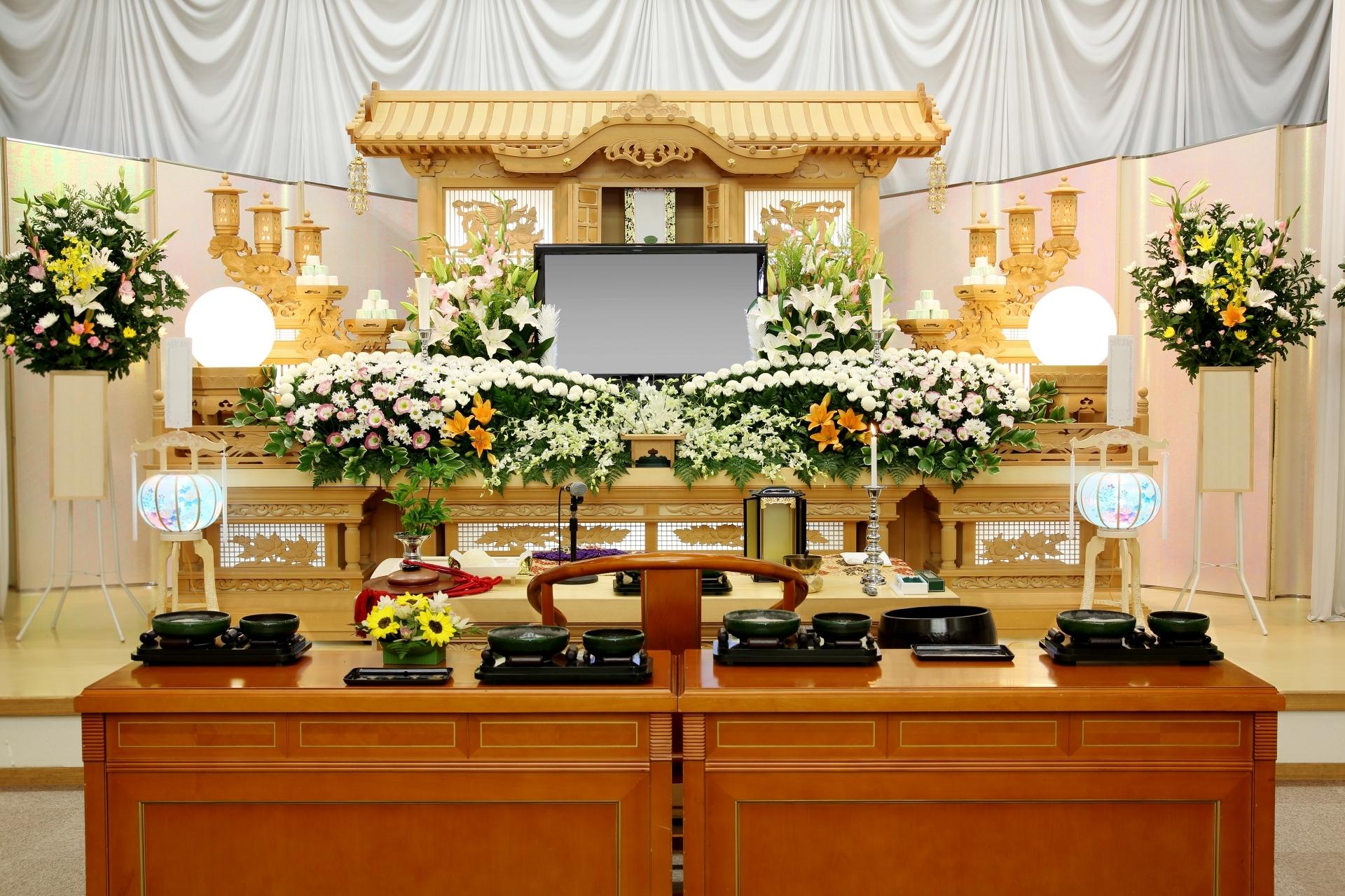 「家族葬」の費用はどのくらいかかる?