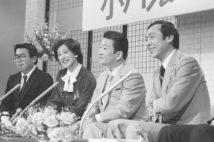 露木茂氏(写真右)は1963年入社(共同通信社)