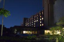 休業中のホテル客室の窓明かりでつくった「HOPE」の文字(城山ホテル鹿児島/時事通信フォト)