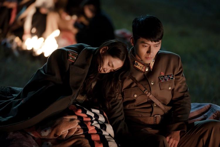 韓国の財閥令嬢と北朝鮮軍人の恋物語にハマる芸能人も続出(Netflixオリジナルシリーズ「愛の不時着」独占配信中)