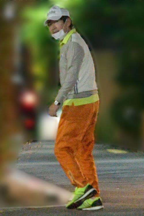 上着を着た石田(2020年5月)