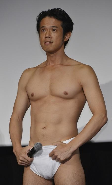 「#ギャグつなぎ」バトンを始めた品川庄司の庄司智春(時事通信フォト)